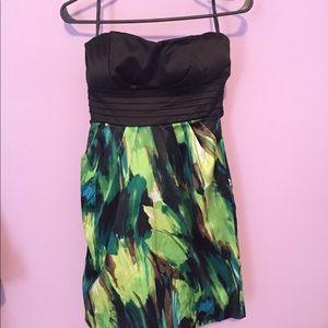 Dresses & Skirts - Tee girls party dress